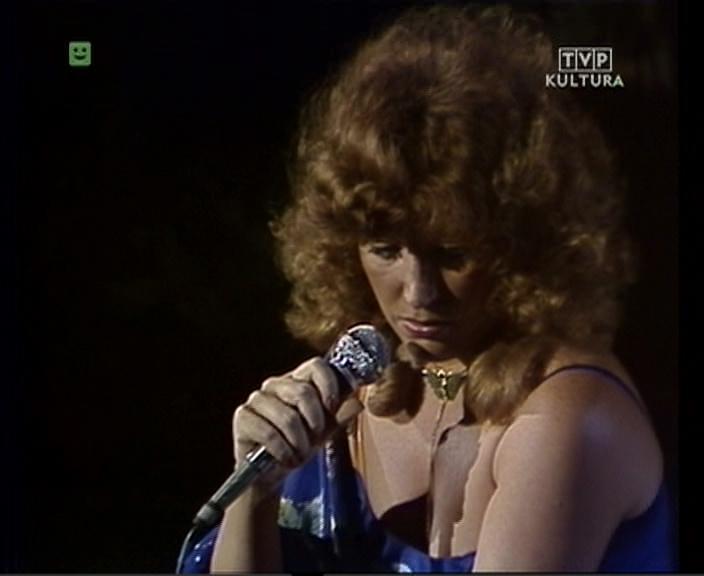 http://alla-superstar.ru/images/video/1071/Sopot_79_-_Alla_Pugacheva_Alla-Superstarru005jpg3.jpg