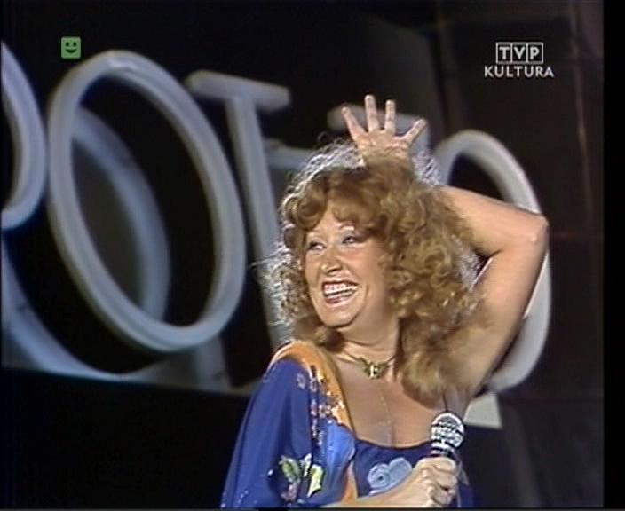 http://alla-superstar.ru/images/video/1071/Sopot_79_-_Alla_Pugacheva_Alla-Superstarru030jpg3.jpg